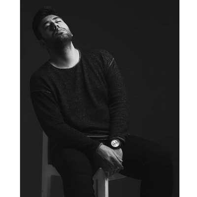 دانلود آهنگ جدید محمد لطفی بنام دست تنها