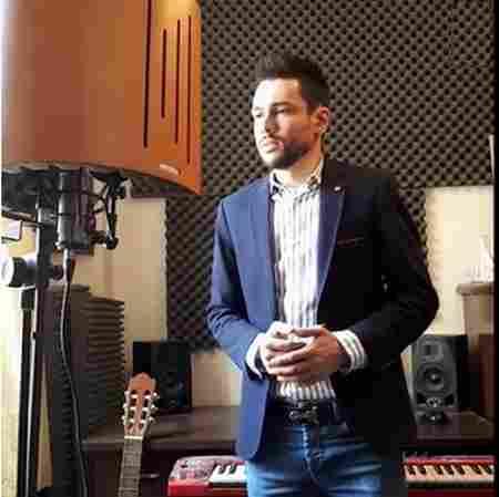 دانلود آهنگ بهمن کاویانی بنام زیبای خواستنی